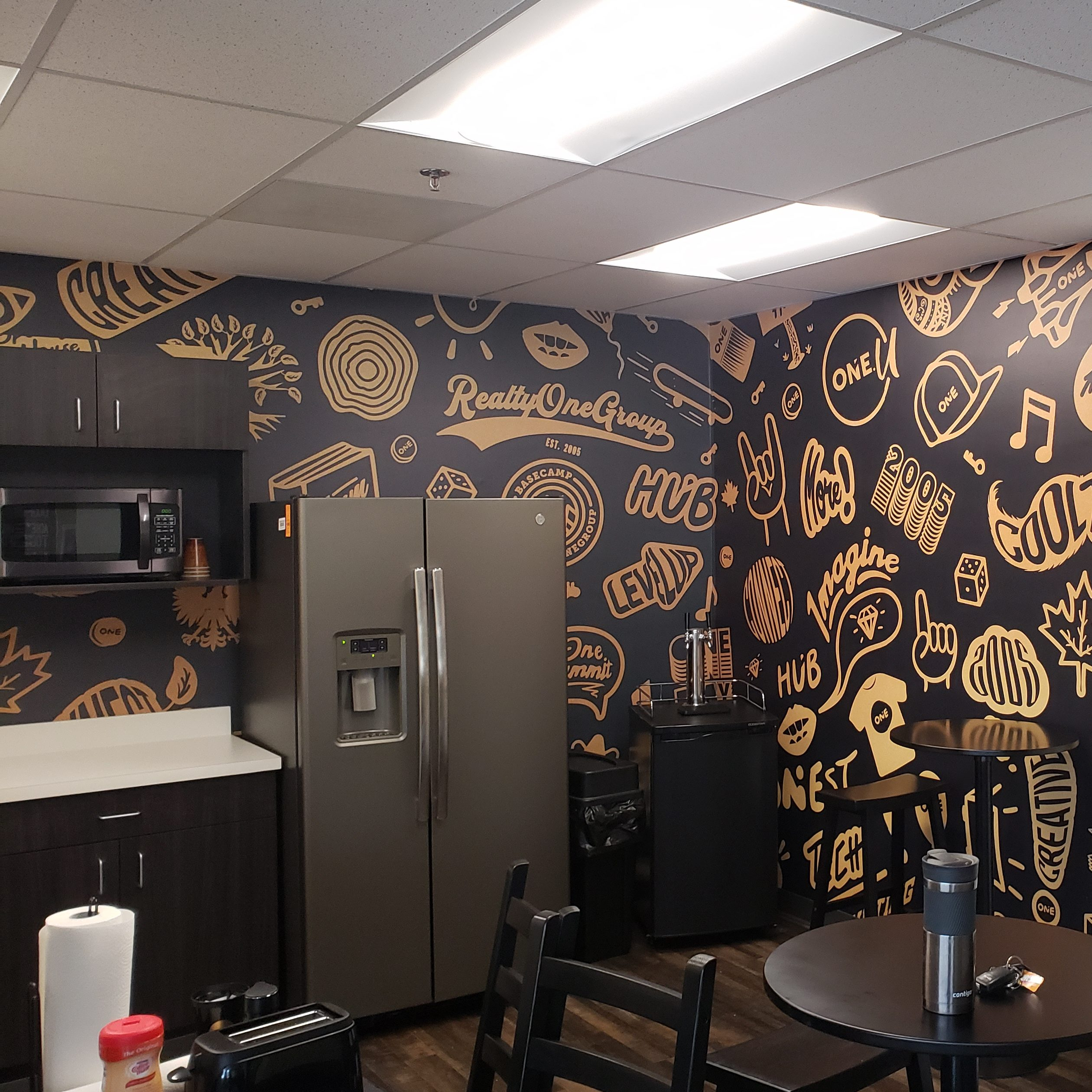 Realty One Kitchen Wrap